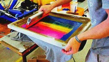 O processo de serigrafia silk screen - O que é e como fazer?