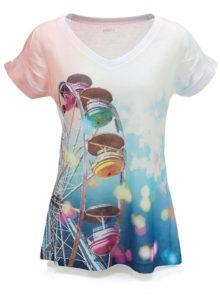 Camiseta feminina com estampa em sublimação