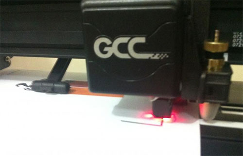 GCC Expert 24 LX - plotter de recorte pequena